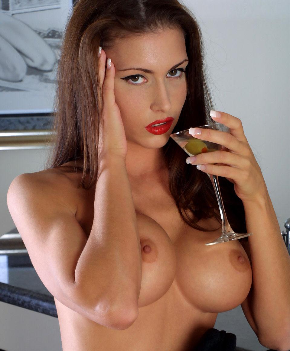 фото секс брюнетки с карликом