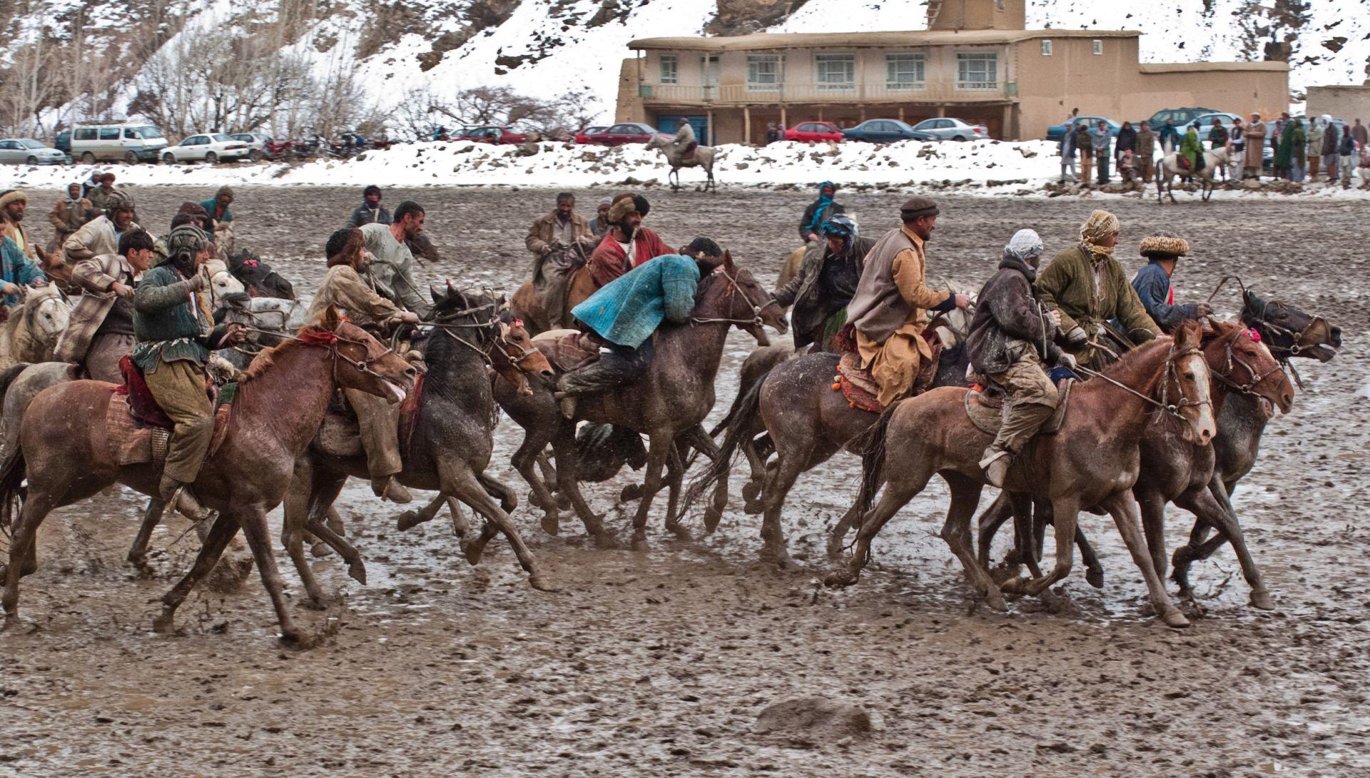 Buzkashi - brutalny sport afgańskich jeźdźców