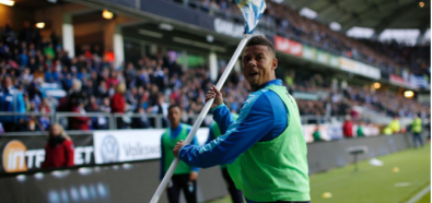 Skandal w Szwecji. Piłkarz trafiony petardą