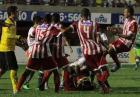Osiem czerwonych kartek - bójka piłkarzy w Brazylii