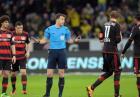 Przerwany mecz w Bundeslidze. Felix Zwayer podjął dobrą decyzje