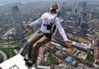BASE: Rekord świata - skok ze szczytu najwyższego budynku w Dubaju