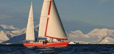 Polska załoga jachtu zdobyła... szczyt wulkanu