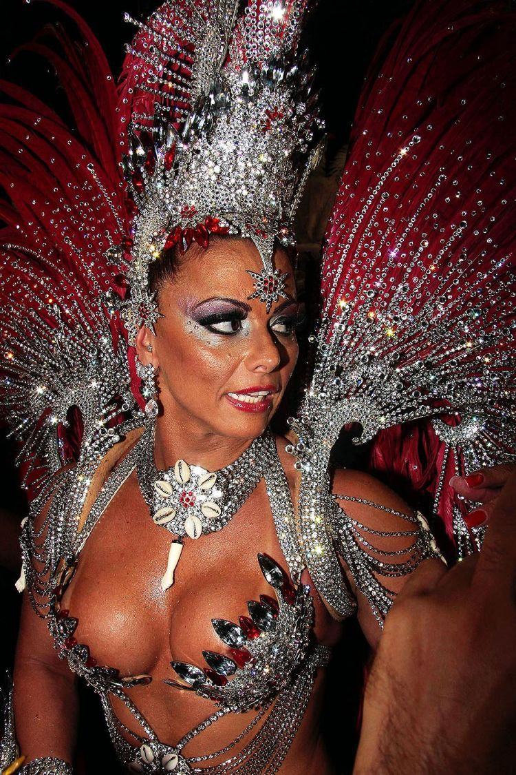 Бразильский анальный карнавал