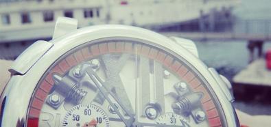 Romain Jerome Steampunk Chrono - zegarki i spinki do mankietów z częściami z Titanica